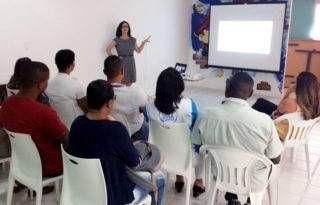 Esquizofrenia: Entendendo a doença   Palestra de Dra. Livia Castelo Branco